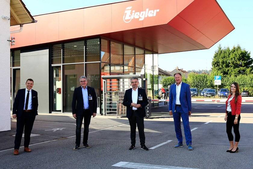 http://ziegler.tcis.de/mediadatabase/news/2021/press_releases_2021/antrittsbesuch-des-deutschen-feuerwehrverbands-bei-ziegler/antrittsbesuch-dfv-ziegler-gruppenbild-web.jpg